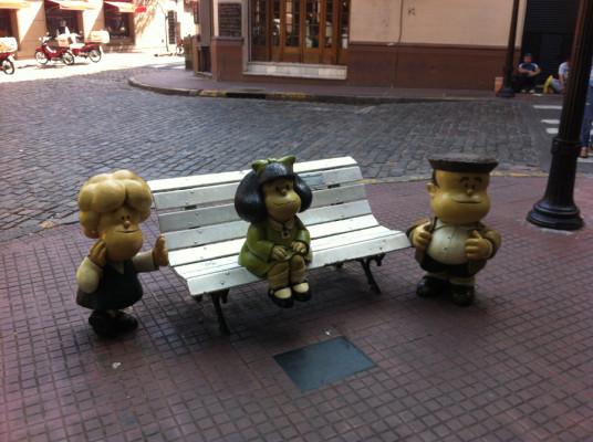 Charmantes statues...