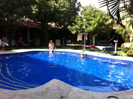 Piscine du Dreamer Hostel de Santa Marta