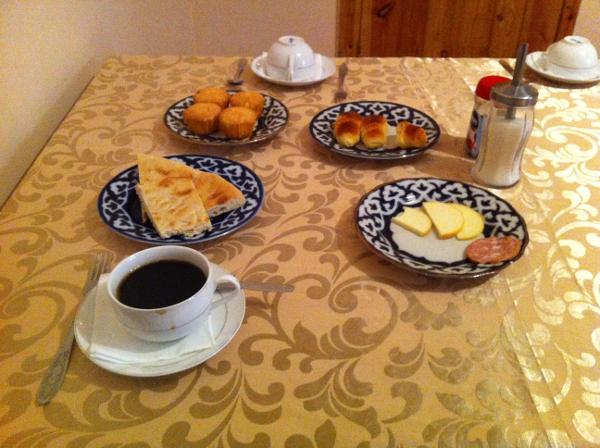 Déjeuner à mon auberge de Khiva