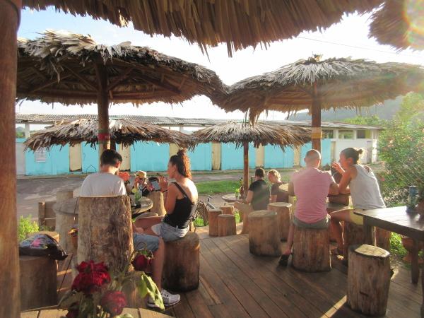 Restaurant Les Pieds Sous La Table Tresses